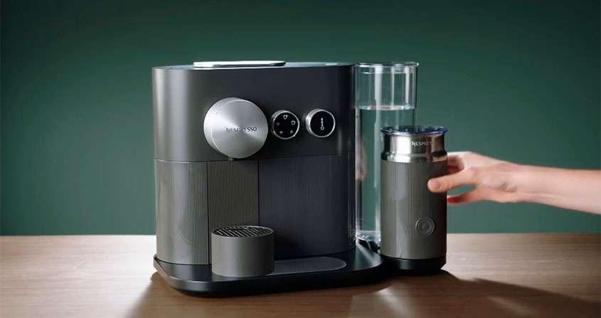 Máquina de expresso com cápsula Nespresso Expert